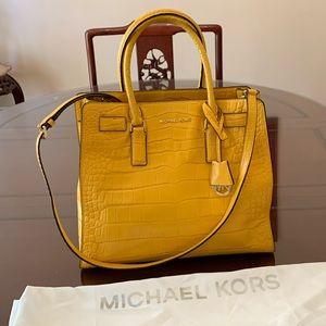 Michael Kors Leather Hand/ shoulder bag